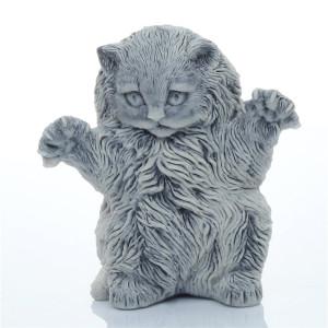 Котенок с растопыренными лапами 1