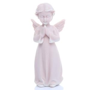 Ангелочек в молитве
